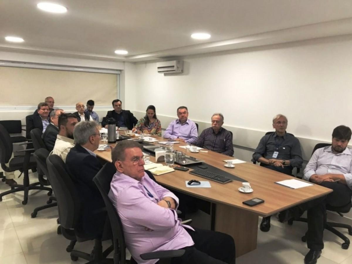 Merlo participa da reunião de apresentação do panorama geral 2017 da ARIS