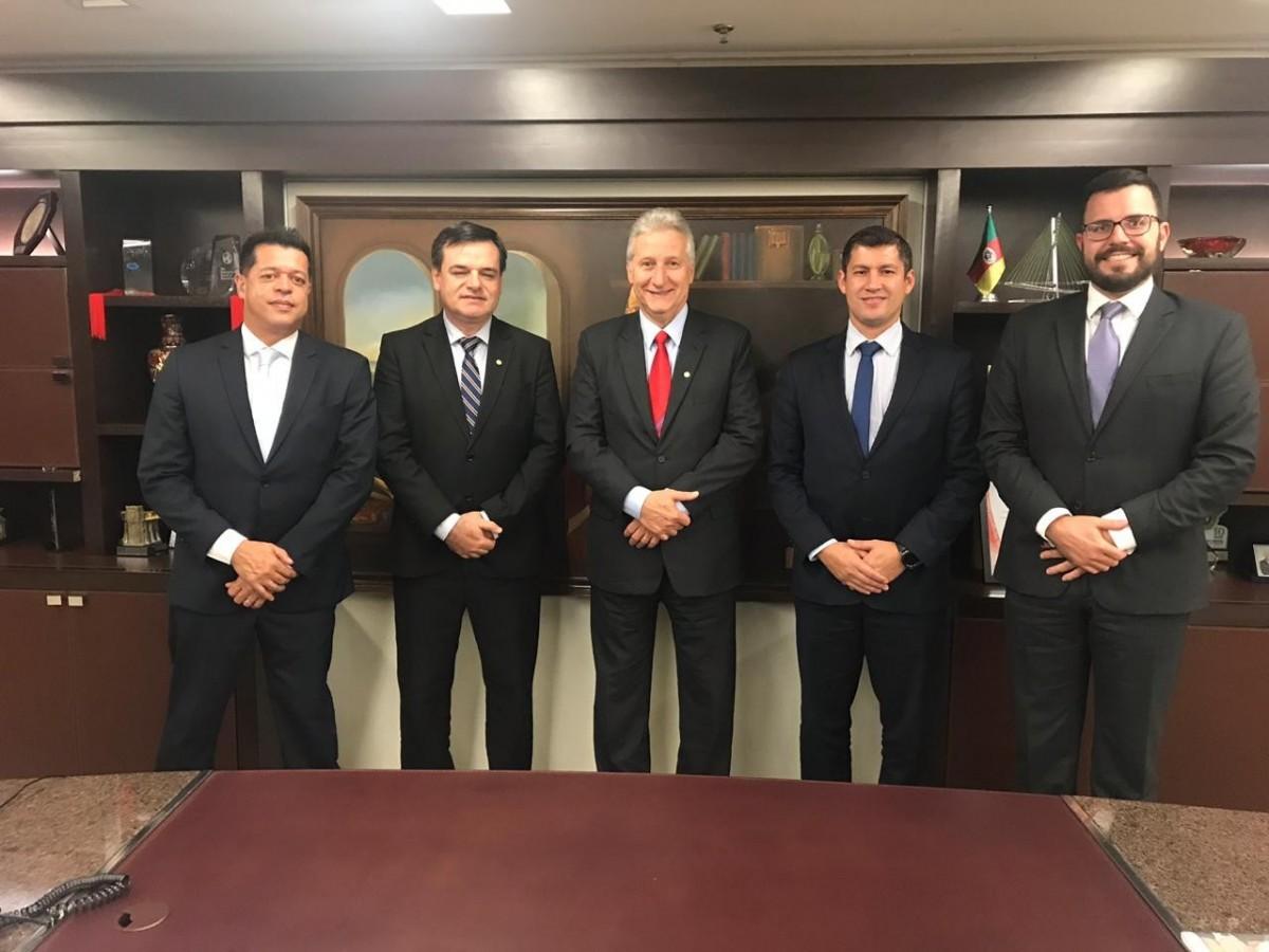 Merlo realiza reunião em Brasília sobre Temas Contábeis: Clubes de Futebol Brasileiro