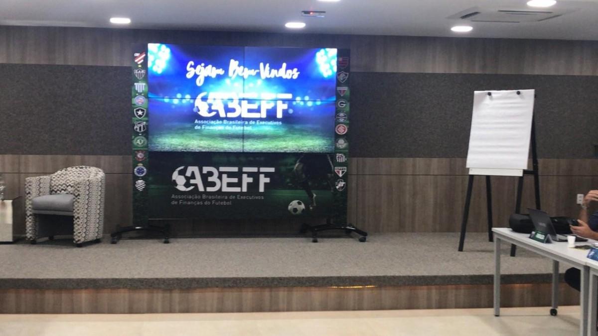 Merlo participa de reunião dos diretores financeiros dos clubes da série A