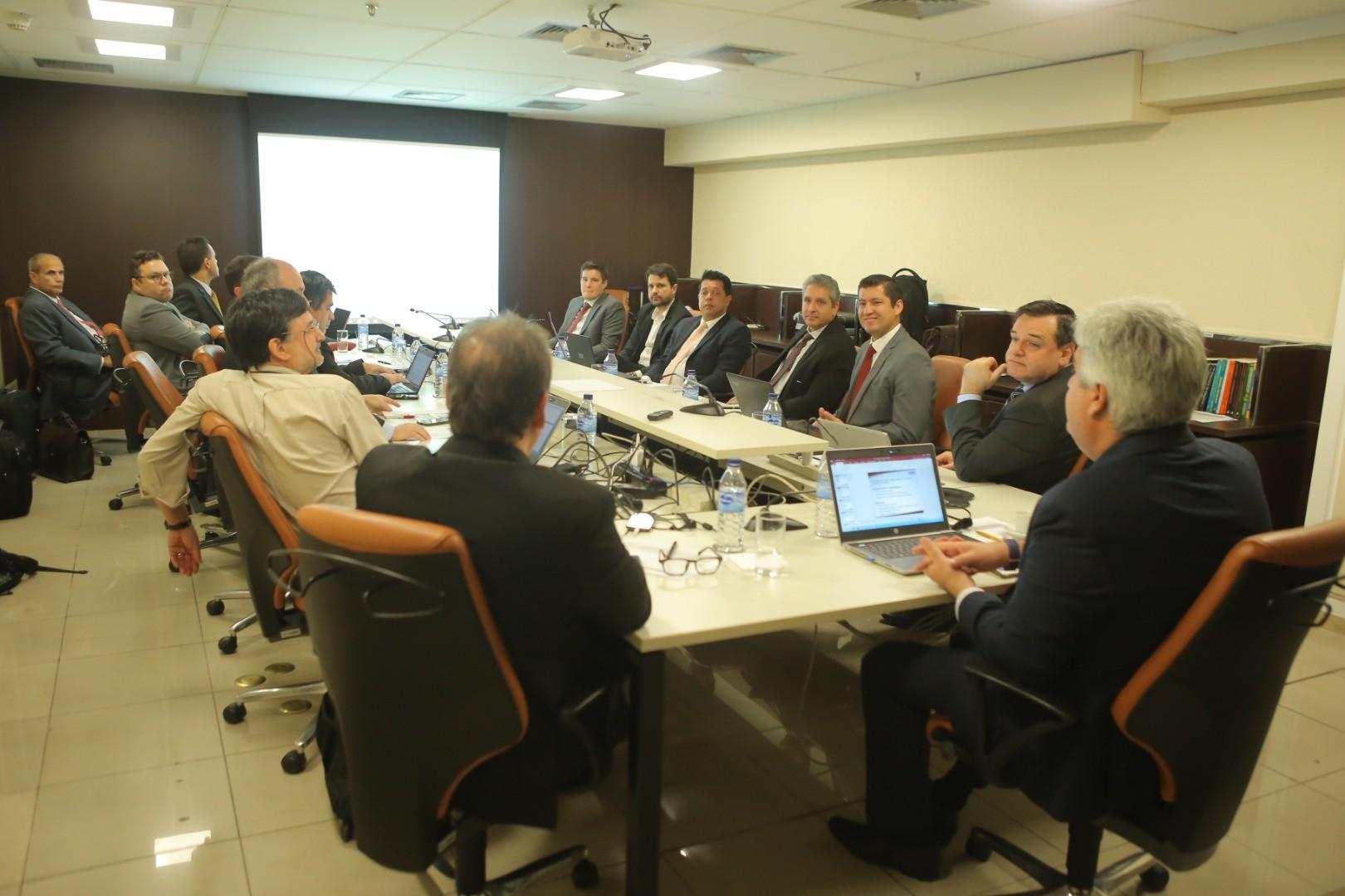 Merlo participa de reunião com Grupo de Estudos (GE) no CFC