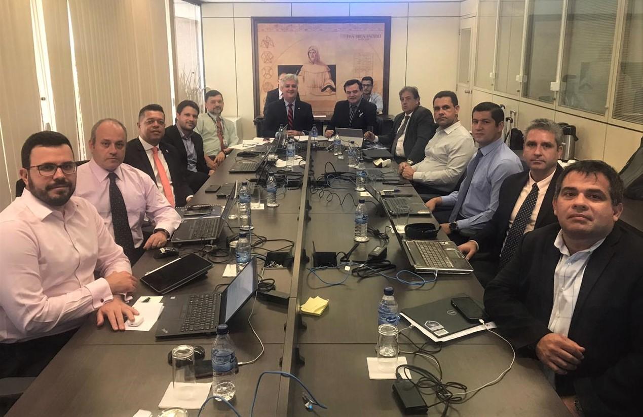 Merlo participa de reunião no Conselho Federal de Contabilidade